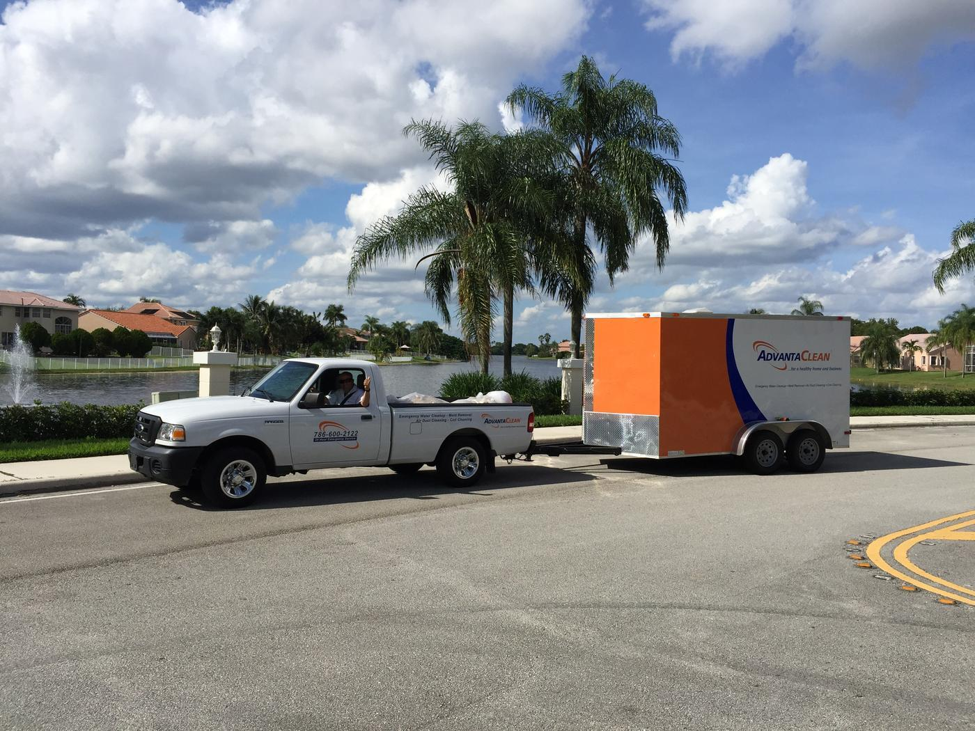 happy customers after a mold removal in Miramar, FL
